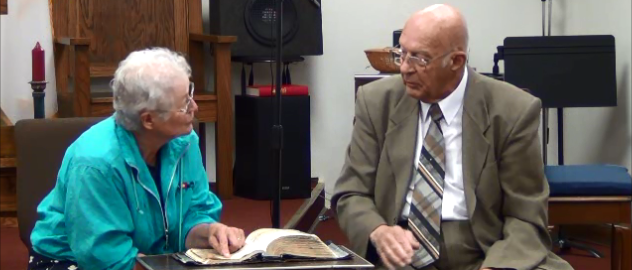 https://heritagebbc.com aka http://dryounce.com - Heritage Baptist Bible Church, Pastor and Member demonstrate Open Bible Witnessing, using John 3:16.